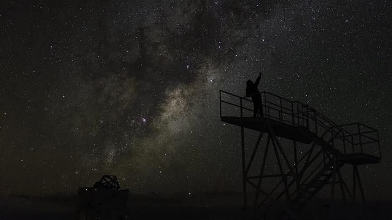1.5 milyar ışık yılı uzaklıktan radyo dalgaları geldi