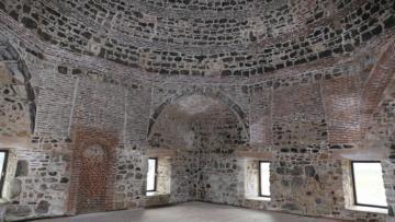 Restorasyon rezaleti! Kanuni'nin yaptırdığı 500 yıllık mescide demir doğrama taktılar!