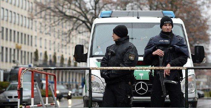 Almanya'da 5 mahkemeye bomba ihbarı
