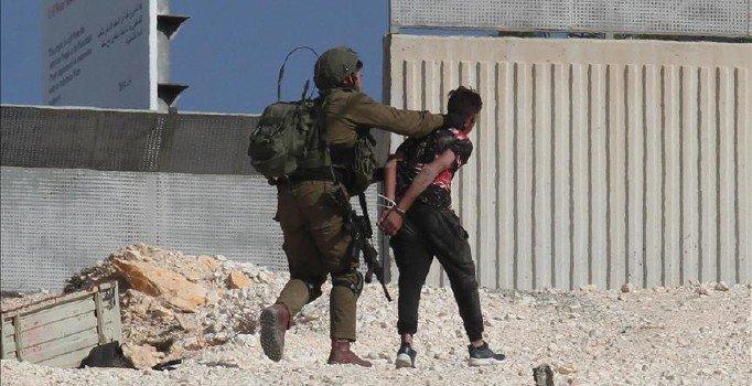 İsrail'den iki Filistinli çocuğa gözaltı
