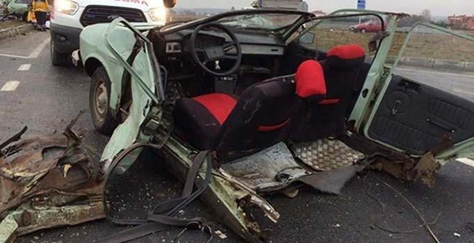 Tekirdağ'da ciple çarpışan otomobil ikiye bölündü: 1 ölü, 2 yaralı
