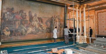 Müzeye taşındık bekleriz: 'Çölde Av' müzenin duvarına asıldı