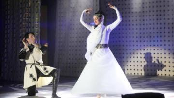 Devlet Halk Dansları Topluluğu'ndan 'Bizim Renklerimiz' gösterisi