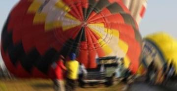 Avustralya'da 5 dakika arayla iki sıcak hava balonu düştü