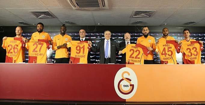 Galatasaray yeni transferlerini tanıttı