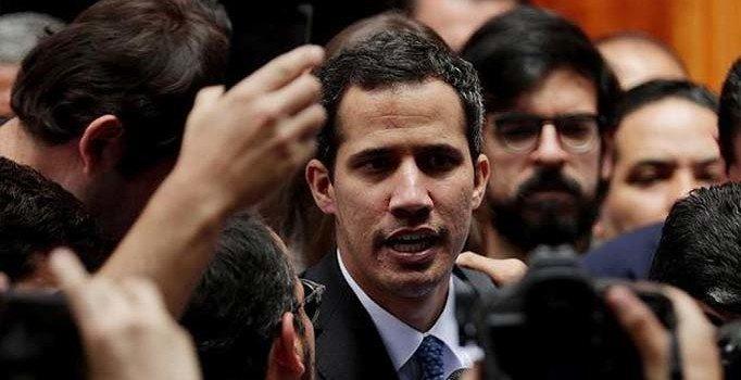 Muhalif lider Guaido'nun gelirleri soruşturuluyor