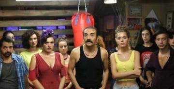 Organize İşler 2: Sazan Sarmalı filminin Netflix gösterimine sektör temsilcilerinden sert tepki