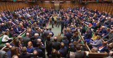 İngiltere'de İşçi Partisi'nden bir milletvekili daha istifa etti
