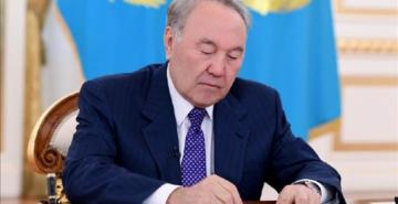 Kazakistan banknotlarını artık sadece Kazakça basacak